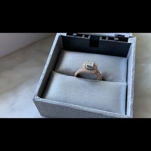 Engagement/Wedding Band